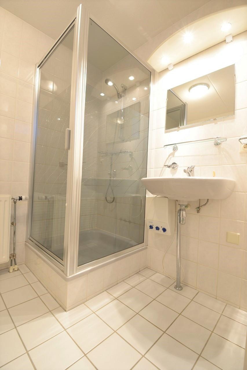 Baronielaan-12-badkamer.jpg