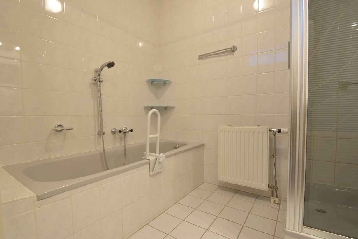 Baronielaan-12-badkamer1.jpg