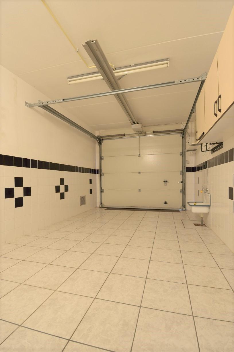Baronielaan-12-garage1.jpg